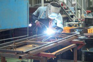 高卒の工場勤務から転職できる?転職方法を詳しく解説します