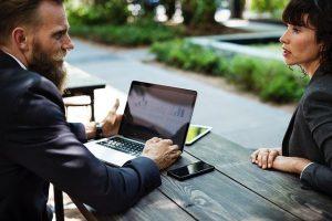 高卒でも営業の仕事はできる?営業でおすすめの業種を教えます